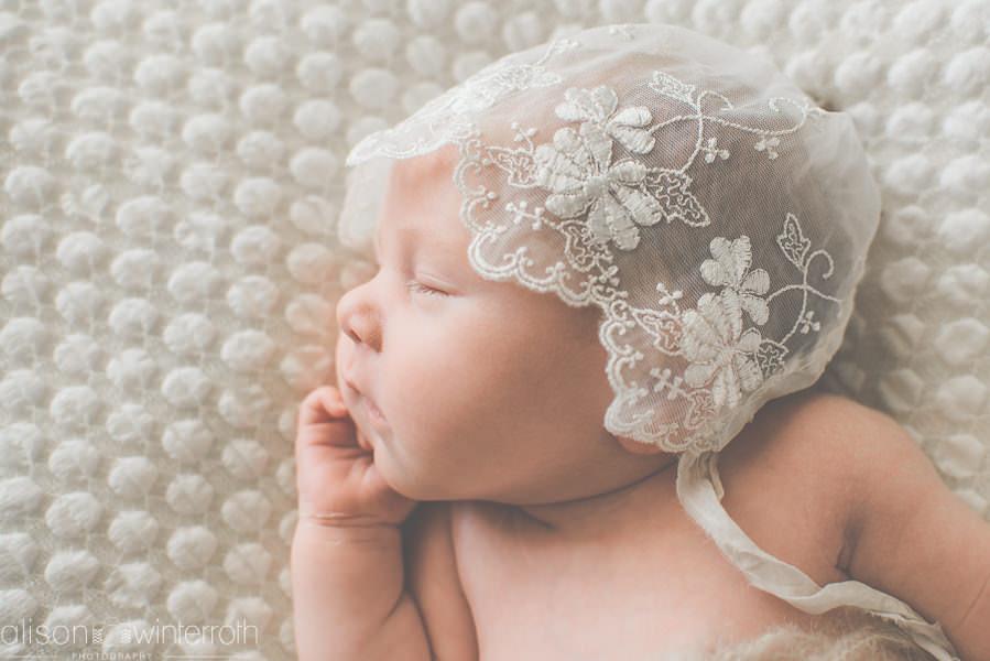 Soft_Newborn_Photography_Web WM-87