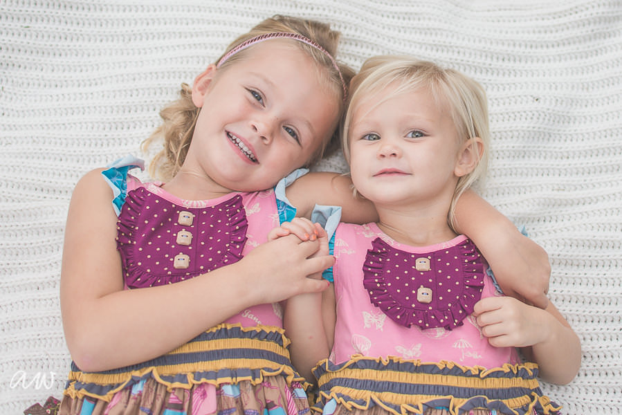 Sisters on blanket Tampa Family Photography
