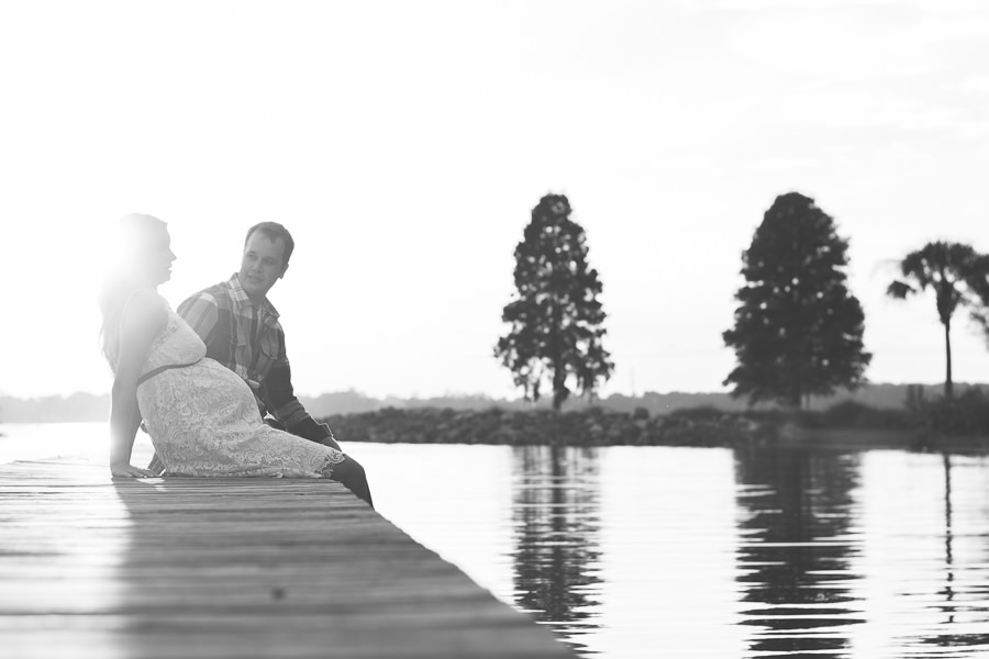 maternity photo on dock