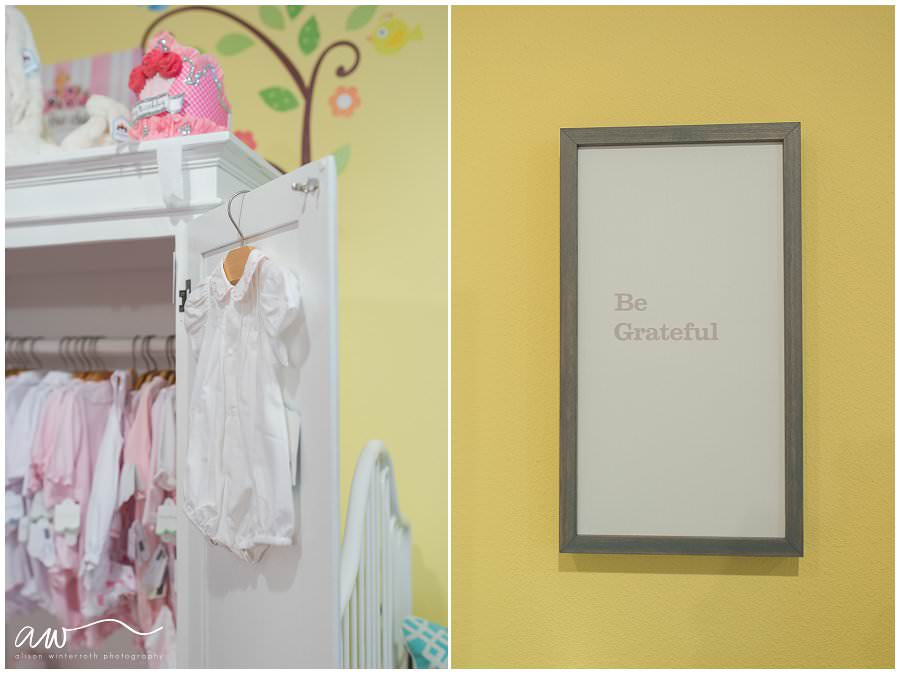 """A cute outfit for bringing home a newborn baby and a """"be grateful"""" sign for tampa moms."""