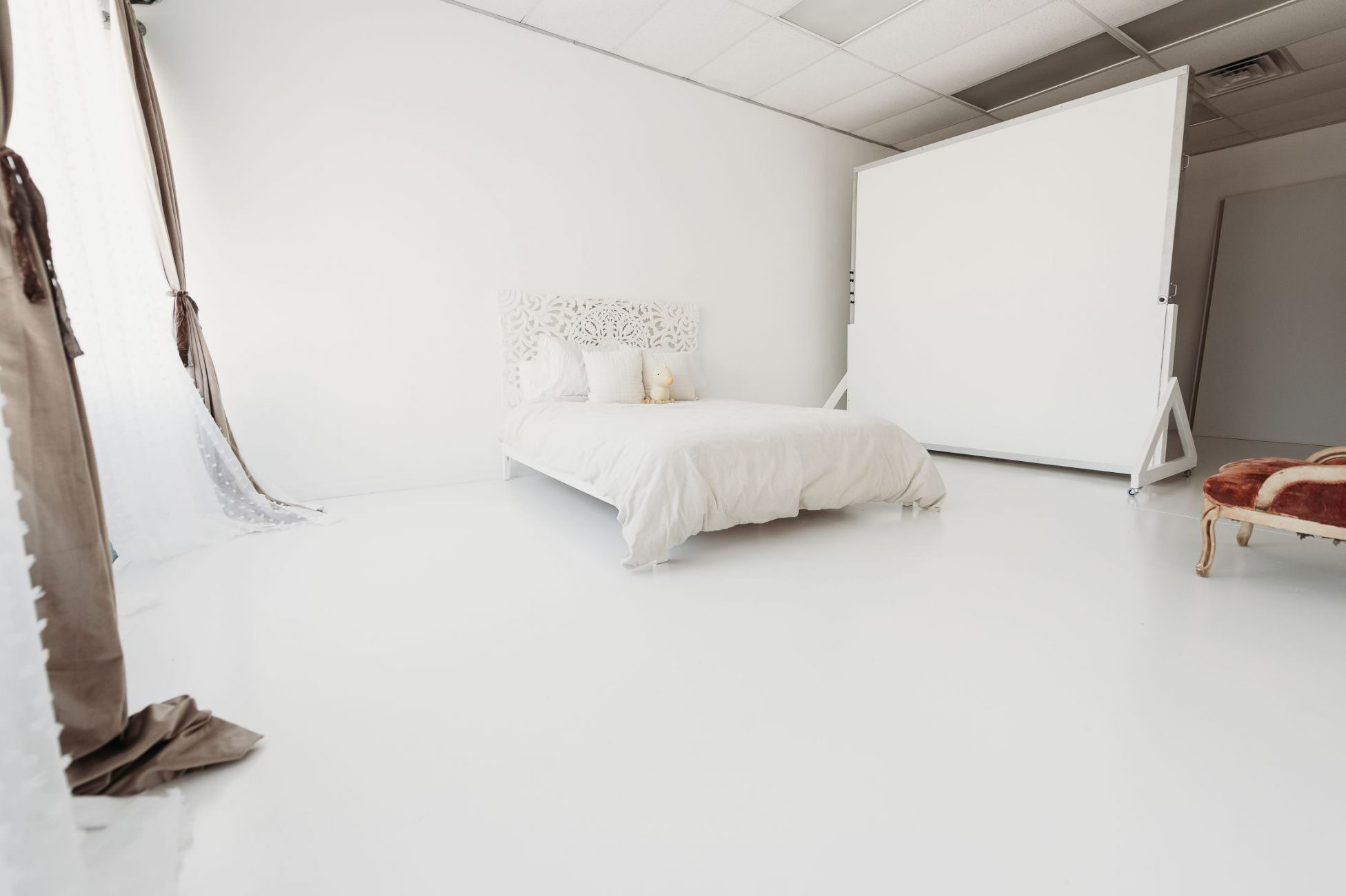 An image of a photography studio located in Lutz, FL Tampa Natural Newborn Photography